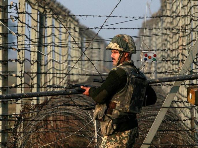 Pakistan's tough attitude: India bans its territorial jurisdiction over eastern border with India till July 26 | पाकिस्तान का सख्त रवैयाः भारत के साथ पूर्वी सीमा से लगे अपने हवाईक्षेत्र पर प्रतिबंध 26 जुलाई तक बढ़ाया