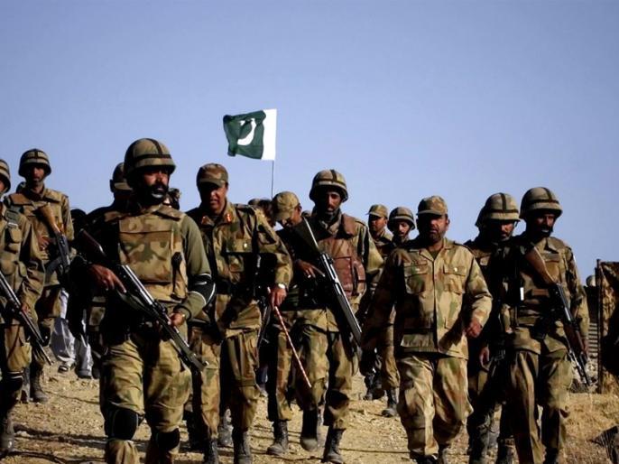 pakistan army takes off on ceasefire violation, Pakistan is also deploying additional troops on LoC | बौखलाई पाकिस्तानी सेना सीजफायर उल्लंघन पर उतारू, LoC पर अतिरिक्त सैनिक भी तैनात कर रहा है पाकिस्तान