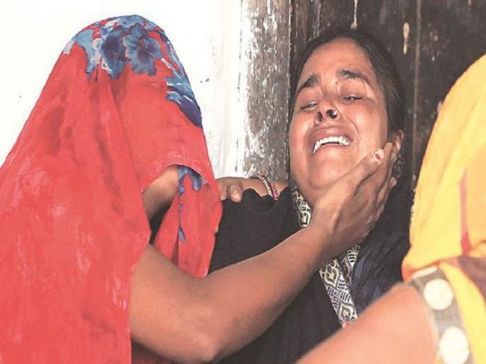 up hapur man died in police custody 3 cops face murder charges | पुलिस कस्टडी मौत मामले में 3 पुलिसवालों के खिलाफ हत्या का केस दर्ज, जानें किस बेरहमी से शख्स को बेटे सामने किया गया था टॉर्चर