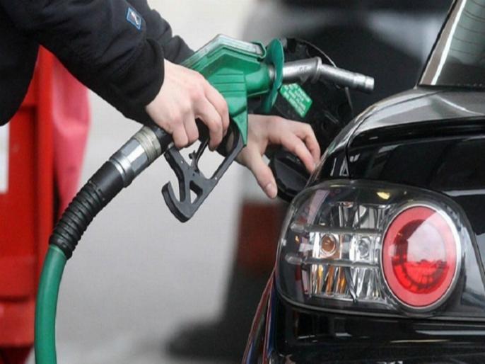 Petrol crosses Rs 100 per litre in this city check rates in your region here | फिर पड़ी महंगाई की मार, आम आदमी परेशान, 100 रुपये के पार पहुंचा पेट्रोल का दाम