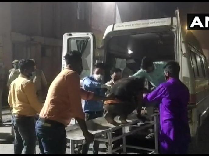 Horrific road accident in UP: 7 people killed and 32 injured in bus and collision in Pilibhit | यूपी: पीलीभीत में बस और पिकअप वैन की टक्कर में 7 लोगों की मौत; 32 घायल, CM योगी ने जताया शोक