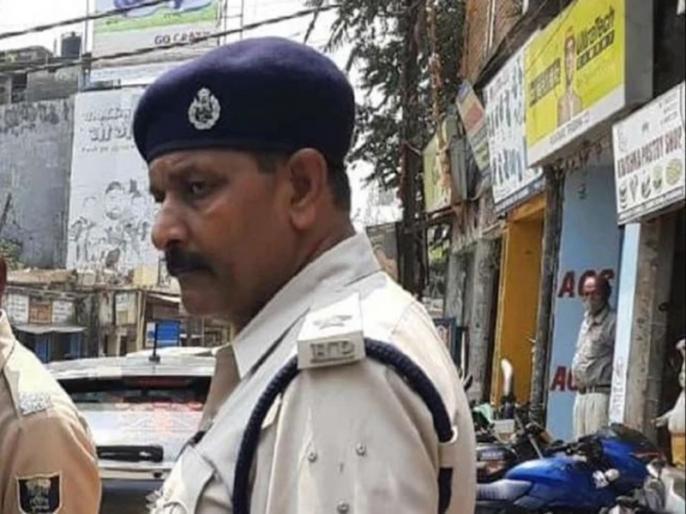 Mother of Bihar cop killed by mob during raid passes away | दुखद: थानेदार बेटे का शव देखते ही मां को लगा गहरा सदमा, मौके पर हुई मौत, अब एक साथ उठेगी मां-बेटे की अर्थी