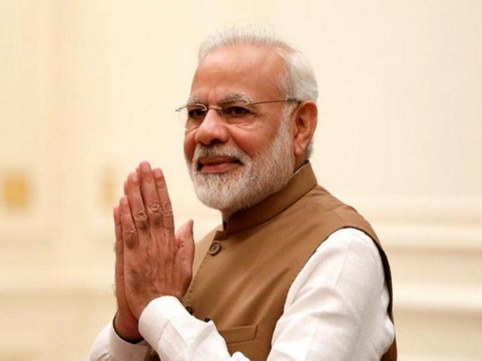 Narendra Modi Nomination for Lok Sabha Election 2019: PM touches feet of Prakash Singh Badal and Annapurna Shukla | प्रधानमंत्री नरेंद्र मोदी ने वाराणसी में पर्चा भरने से पहले इन दो लोगों के छुए पैर