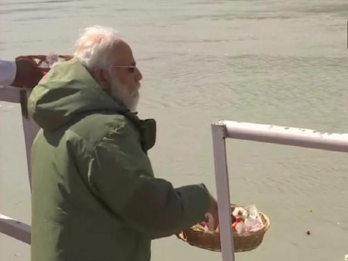 PM Narendra Modi performed Sindhu Darshan puja in forward brigade Ladakh see video | पीएम मोदी ने लद्दाख दौरे के दौरान की थी 'सिंधु दर्शन पूजा', अब सामने आई वीडियो और तस्वीरें