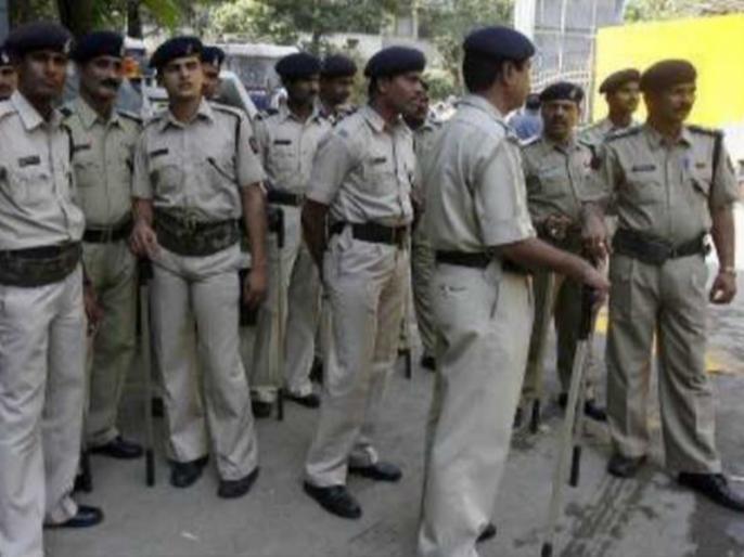 Policeman suspended for taking bribe in Uttar Pradesh | यूपी: बलरामपुर में रिश्वत मांगने पर सिपाही निलंबित, मुकदमा दर्ज