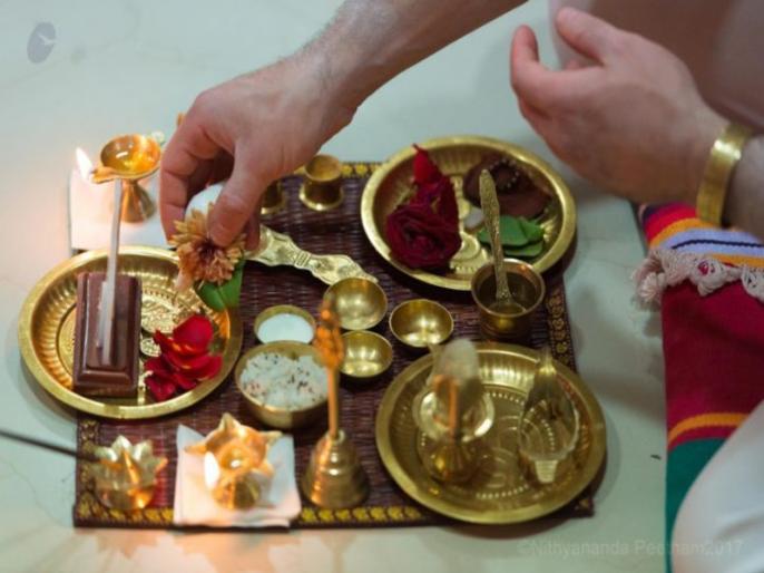 pooja path tips for you and do not use these things | पूजा-पाठ करते समय नहीं करेंगे ये गलतियां तो घर में होगी सुख-समृद्धि की 'बरसात'