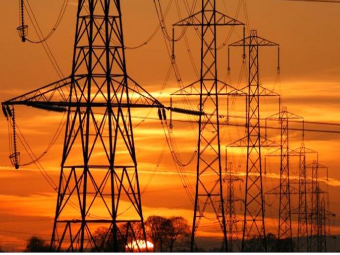 Gujarat: 560 villages power supply affected by cyclone Vayu | गुजरात: चक्रवात 'वायु' के कारण के 560 गांवों में बिजली आपूर्ति बाधित