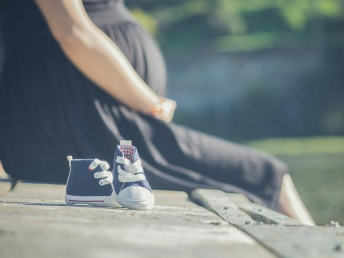 Post Pregnancy Tips: Try these 5 home remedies to get rid of hair fall problem after pregnancy, these remedies boost hair growth   प्रेगनेंसी के बाद इन 5 घरेलू नुस्खों को आजमा कर रोकें हेयर फॉल