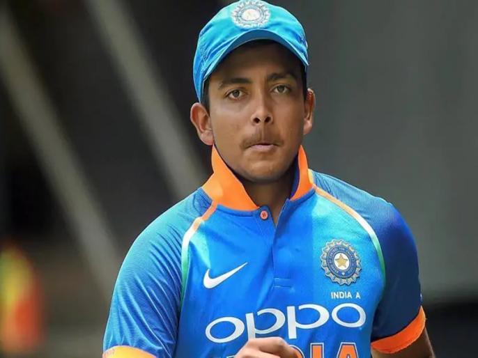 Vijay Hazare Trophy 2020-21, Delhi vs Mumbai, Round 1, Elite Group D: Prithvi Shaw not out on 105 runs | पृथ्वी शॉ ने खेली नाबाद 105 रन की पारी, शिखर धवन बगैर खाता खोले आउट