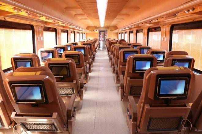Private trains project caught pace 23 companies including Bombardier Alstom showed interest in the meeting | Private trains: प्रोजेक्ट ने पकड़ी रफ्तार,बैठक में बॉम्बार्डियर, एल्स्टॉम समेत 23 कंपनियां ने दिखाई दिलचस्पी