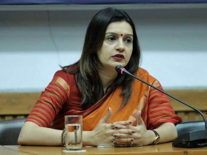 Priyanka Chaturvedi expressed dissatisfaction with the Congress, saying - preference for the goons | प्रियंका चतुर्वेदी ने कांग्रेस से जताई नाराजगी, कहा- गुंडों को मिल रही तरजीह