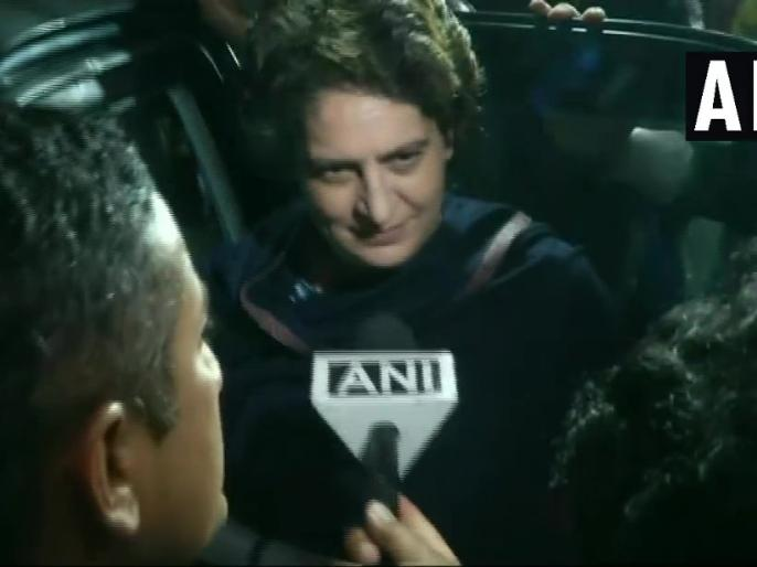 Priyanka Gandhi Vadra when asked if ED probing Robert Vadra affects her these things going on | वीडियोः रॉबर्ट वाड्रा से पूछताछ के सवाल पर बोलीं प्रियंका, 'ये चीज़ें चलती रहेंगी, मैं अपना काम कर रही'
