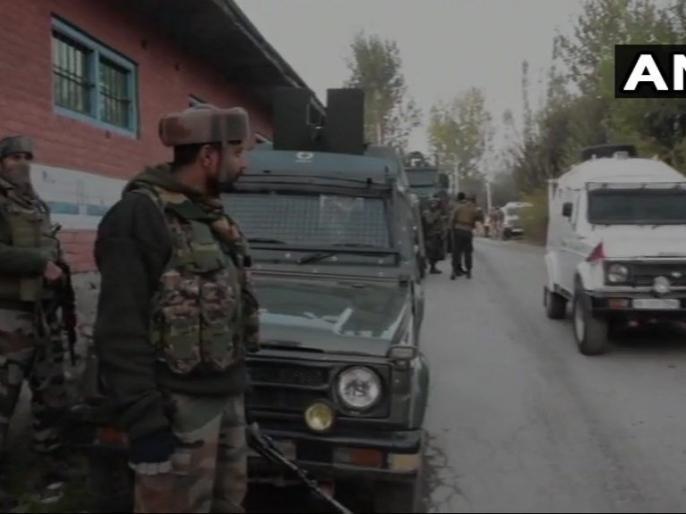 Pulwama Encounter: One terrorist has been gunned down by security forces | जम्मू कश्मीरः पुलवामा में सुरक्षाबलों ने ढेर किया एक आतंकी, हथियार और गोला बारूद बरामद