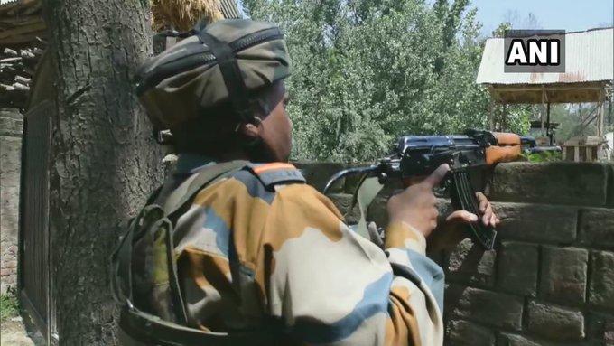Awantipora, Pulwama (J&K) encounter: Two terrorists killed, arms & ammunition recovered | जम्मू कश्मीरः पुलवामा में सुरक्षा बलों से मुठभेड़ में दो आतंकी ढेर, इलाके की घेराबंदी कर सर्च ऑपरेशन शुरू