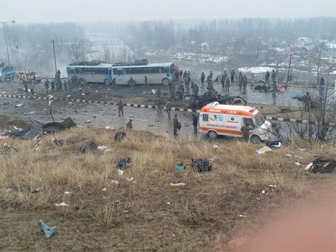 Pulwama attack: Country pays tribute to the martyrs, PM Modi, CM Mamta, Amit Shah and Rajnath Singh pay tribute, said - Salute to martyrdom | पुलवामा हमलाः देश ने शहीदों को नमन, पीएम मोदी, सीएम ममता, अमित शाह औरराजनाथ सिंहने दीश्रद्धांजलि, कहा-शहादतको सलाम