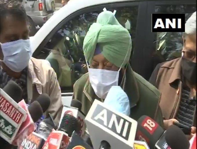 kisaan aandolan delhi chalo haryana punjab farmer protesCm Captain Amarinder Singh Home Minister Amit Shah meeting | किसान आंदोलनः अमित शाह से मिले अमरिंदर सिंह, कहा-जल्द मुद्दा सुलझाया जाए, नहीं तो राष्ट्रीय सुरक्षा के लिए खतरा