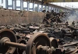 NagpurCentral Railway Zone225 crorestrackcoach enginejunk freePuneBhusawalSolapur | नागपुरः पटरी, कोच, इंजन का कबाड़ दे रहा हैसोने का अंडा,मध्य रेलवे जोन ने225 करोड़ से भरी अपनी तिजोरी