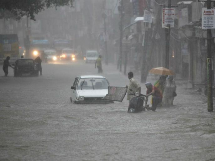 Kashmir: One day rain brings havoc, three people died | कश्मीर में एक दिन की बारिश से तबाही, 3 की मौत