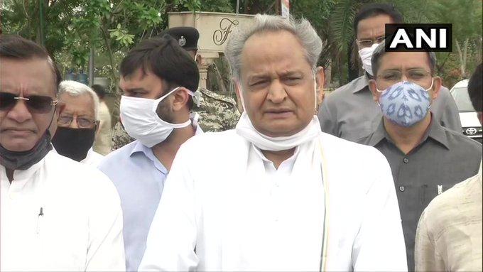 Rajasthan jaipur CM Ashok Gehlot congress bjp sachin pilot Political crisis PM Modi government   राजस्थान में सियासी संकटः कांग्रेस में नई जान डाल रही है, पीएम मोदी सरकार कीसियासी बेइमानी?