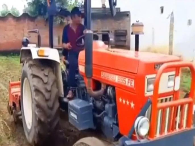 bollywood actor rajpal yadav share video on instagram goes viral | VIDEO: ट्रैक्टर लेकर खेतों में नजर आए राजपाल यादव, फैंस का रिएक्शन आया सामने