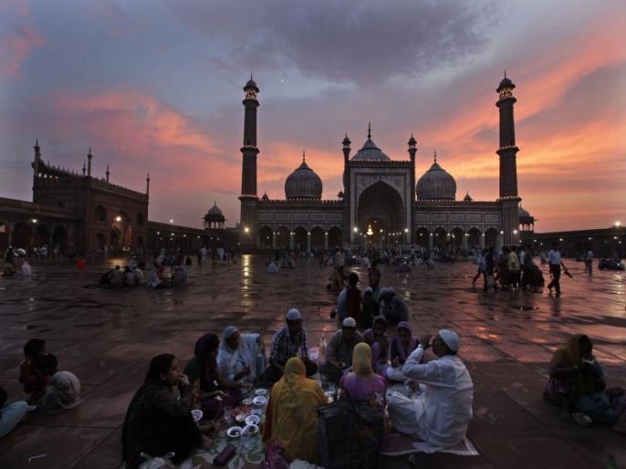 Ramadan 2021 Holy month starts from 14 April North India including Delhi first Rozaon Wednesday | दिल्ली समेत उत्तर भारत के कई हिस्सों में नहीं दिखा रमजान का चांद, पहला रोजाबुधवार को