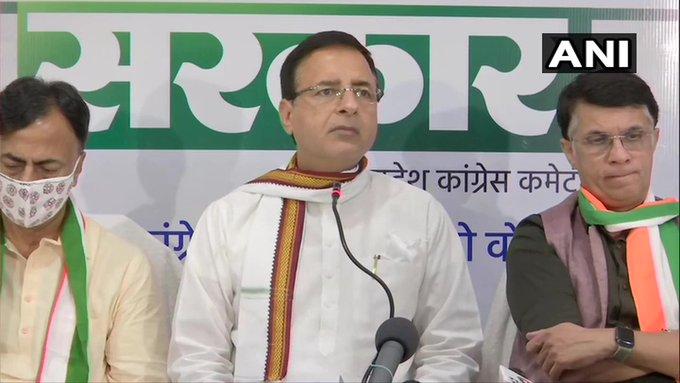 Bihar Munger firingRandeep Singh SurjewalaCongressMaa Durga lathi-chargedevotees Nitish Kumar-Sushil Modi government | मुंगेर गोलीकांडःसुरजेवाला बोले-नीतीश राज ने बिहार को अराजकता की आग में झोंक दिया, सीएम कोगद्दी पर बने रहने का अधिकार नहीं