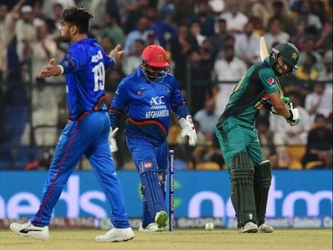 Asia Cup 2018: Pakistan fans troll Rashid Khan for his Send-Offs in super four match | एशिया कप: राशिद खान ने कुछ ऐसे मनाया 'जश्न', भड़क उठे पाकिस्तानी फैंस, सोशल मीडिया में जमकर निकाली भड़ास