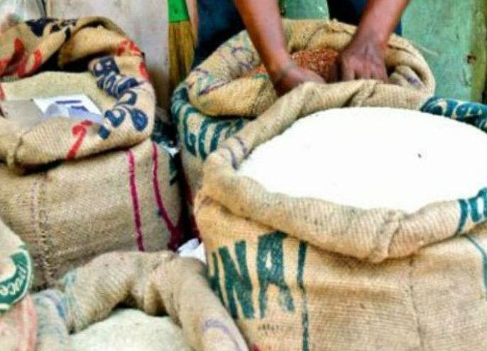 Corona virus lockdown: PMGKY beneficiaries will be able to get free rice and wheat of their choice for the next three months | कोरोना वायरस लॉकडाउन: अगले तीन महीने तक अपनी पसंद का मुफ्त चावल-गेहूं ले सकेंगे PMGKY के लाभार्थी