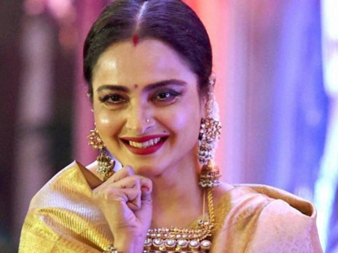 Rekha Birthday Special: Know fitness and beauty secret of legendary actress rekha   Rekha Birthday Special: 65 साल की होने के बावजूद आज भी हैं रेखा के जलवे, जानिए इनकी खूबसूरती का असली राज़