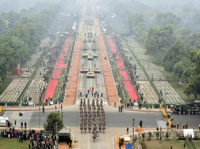 Republic Day: Former PM Manmohan Singh and Chief Justice of India are also present on Rajpath   Republic Day: राजपथ पर पूर्व PM मनमोहन सिंह व भारत के मुख्य न्यायाधीश भी हैं मौजूद, देखें तस्वीर