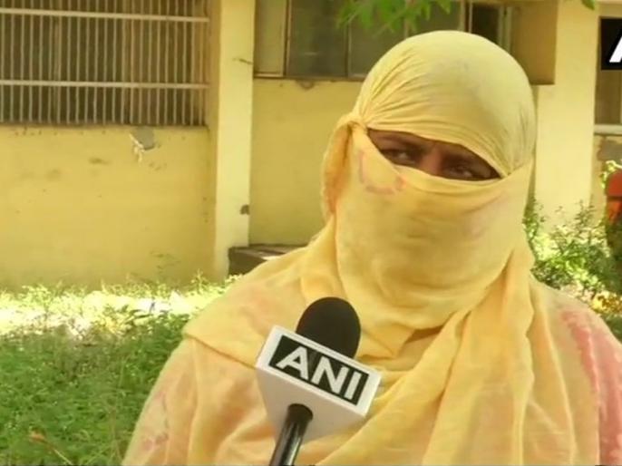 Rewari gangrape: victim Mother returning compensation cheque said we want justice & not money | रेवाड़ी गैंगरेप: पीड़िता की मां ने लौटाया मुआवजे की चेक, कहा- पैसा नहीं, न्याय चाहिए