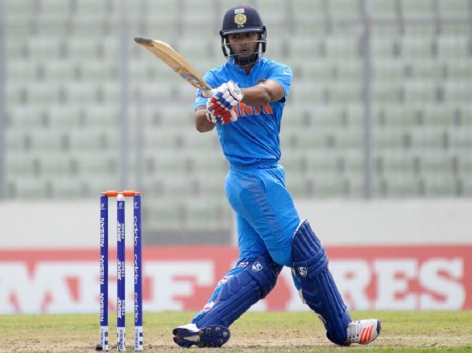 IND vs AUS, 1st ODI: team india wicket keeper rishabh pant injured during match   IND vs AUS, 1st ODI: भारत को बड़ा झटका, ऋषभ पंत के सिर में लगी चोट