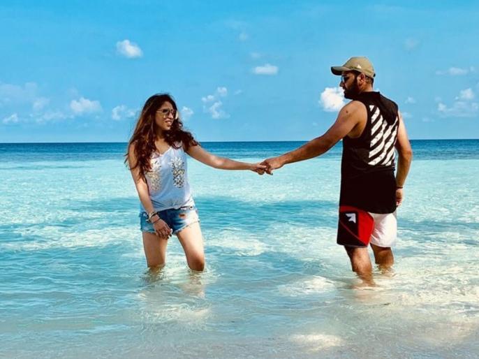 Rohit Sharma shares pic with wife Ritika Sajdeh, spending quality time in Maldives | वर्ल्ड कप से पहले रोहित शर्मा पहुंचे मालदीव, पत्नी रितिका के साथ इंस्टा पर शेयर की खूबसूरत तस्वीरें