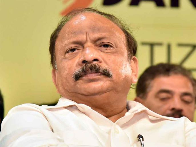 Karnataka: congress rebel mla roshan baig detained by SIT and inquired by CID in Bangalore | कर्नाटक: कांग्रेस के बागी विधायक रोशन बेग से सीआईडी हेडक्वार्टर में हो रही है पूछताछ, IMA फ्रॉड केस से जुड़ा है मामला