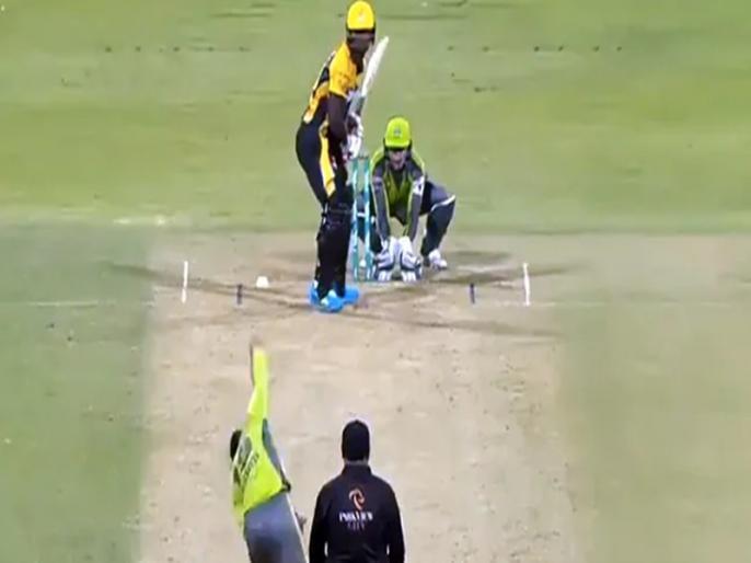 PSL 2021 rashid khan delivers unplayable google amazingly bowled sherfane rutherford video viral | PSL 2021: राशिद खान की गेंद पर बोल्ड होने के बाद बल्लेबाज को आया गुस्सा, मैदान पर ही घुमाने लगा बल्ला और फिर...