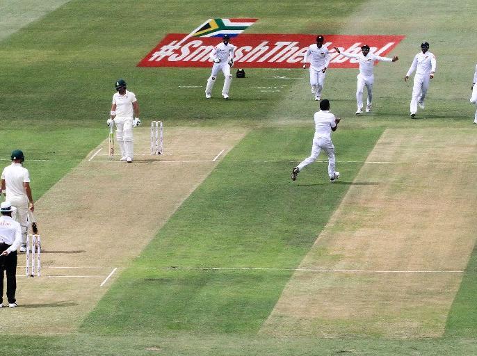 South Africa vs Sri Lanka: Durban test starts with confusion and review decision controversy | SA vs SL: पहले टेस्ट में अजीबोगरीब नजारा, बिना रन बने ही दो फैसलों पर कंफ्यूजन, रिव्यू को लेकर पैदा हुआ 'विवाद'