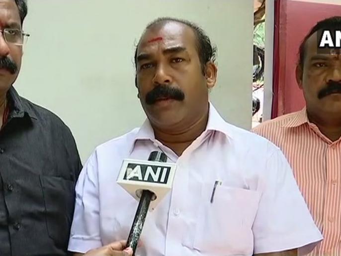Shiv Sena Kerala on Sabarimala Our women activists will gather on 17th-18th Oct as part of a suicide group | सबरीमाला: शिवसेना नेता ने कहा- एक भी युवती ने मंदिर में किया प्रवेश तो महिला कार्यकर्ताएं समूह में करेंगी आत्महत्या