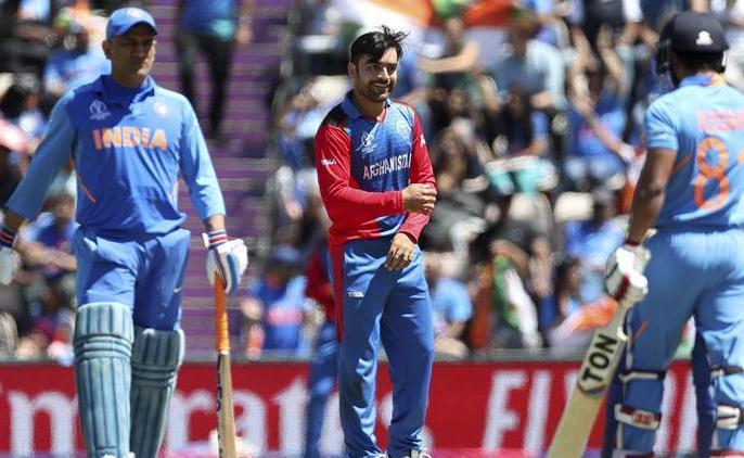 ICC World Cup 2019: Sachin Tendulkar not happy with MS Dhoni and Kedar Jadhav batting against Afghanistan | IND vs AFG: सचिन तेंदुलकर ने जताई धोनी-जाधव की बैटिंग पर नाखुशी, कहा, 'इरादों में दिखी कमी'