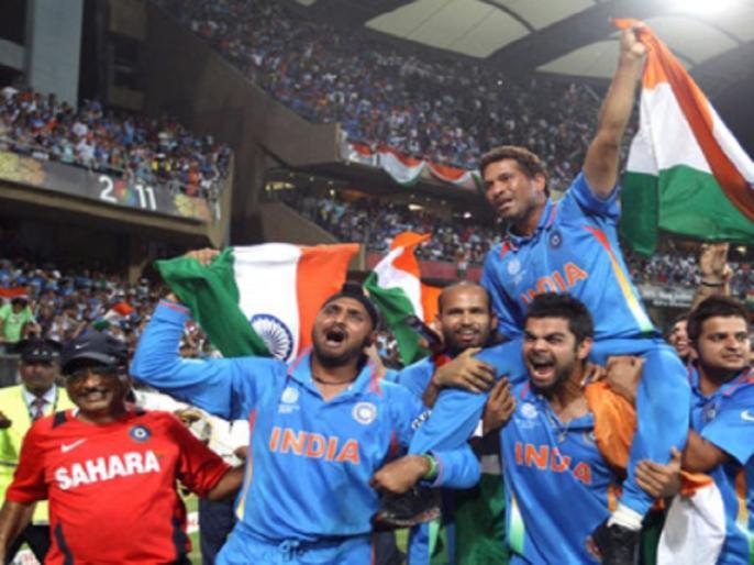 sachin tendulkar recalls happy dents on his car after world cup win in 2011 | जब वर्ल्ड कप जीतने के बाद सचिन की कार पर नाचे थे फैंस, ऐसे किया उस लम्हे को याद