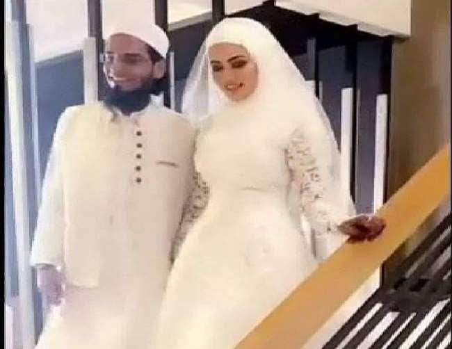 watch After marriage, Sana Khan appeared in some style with husband, husband with wife on drive   वीडियो: शादी के बाद सना खान पति के साथ कुछ इस अंदाज में आईं नजर, पत्नी को साथ लेकर ड्राइव पर निकले पति