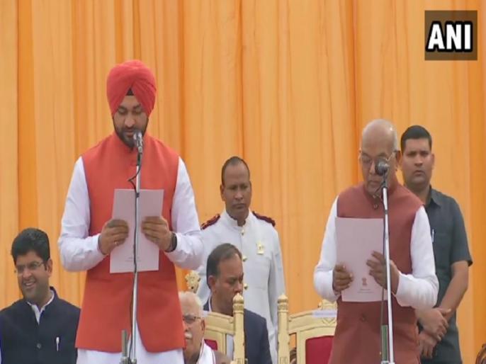 Haryana government 10 new MLA took oath in Manohar lal khattar leadership, former hockey player sandeep singh included | हरियाणा: खट्टर सरकार के मंत्रिमंडल का विस्तार, पूर्व हॉकी खिलाड़ी संदीप सिंह को भी मिली जगह