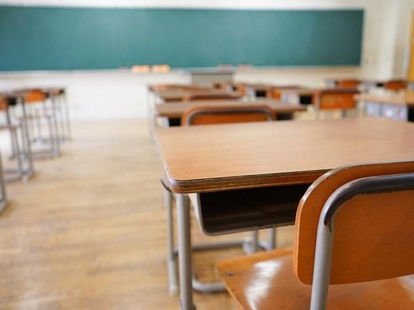 Chhattisgarh 7 govt school teacher accused of sexual abuse of 2 minor student | सरकारी स्कूल की 2 छात्राओं ने 7 शिक्षकों पर लगाया अश्लील हरकतें व छेड़खानी करने का आरोप, जानें क्या है पूरा मामला