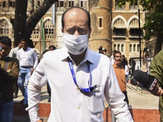 Explosive Case: Mumbai Police Officer Sachin Waje dismissed from Police Service   मुंबई पुलिस ने सचिन वाजे को किया सेवा से बर्खास्त, मुकेश अंबानी के घर के बाहर विस्फोटक रखने का है आरोप