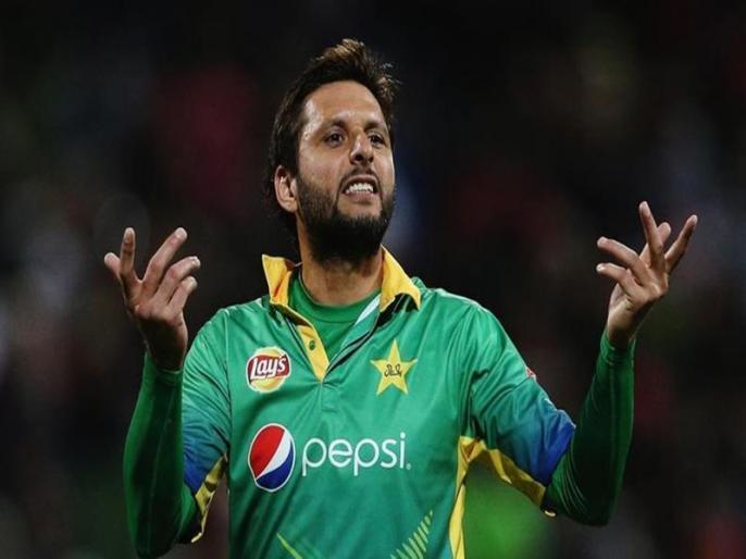 Shahid Afridi blames IPL franchises for not allowing Sri Lankan cricketers to tour Pakistan   शाहिद अफरीदी ने भारत के खिलाफ फिर निकाली भड़ास, कहा- आईपीएल टीमों की धमकी के कारण पाकिस्तान नहीं आ रहे श्रीलंकाई खिलाड़ी