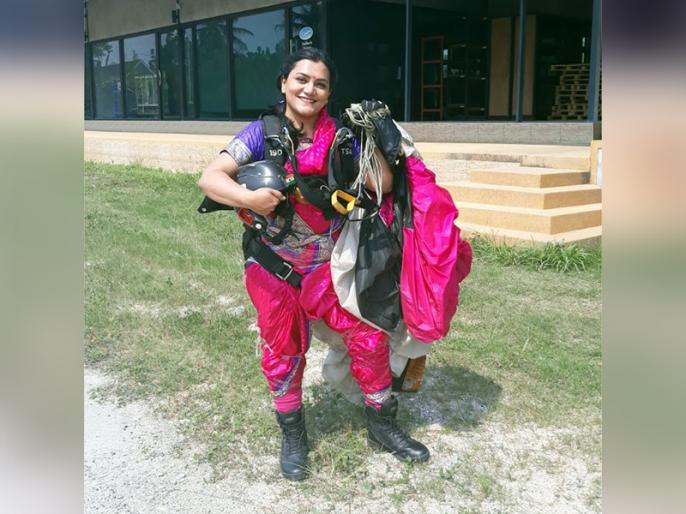 Indian skydiver Shital Mahajan Rane Interview | 13 हजार फीट की ऊंचाई से साड़ी पहन छलांग लगाने वाली शीतल जाना चाहती हैं अंतरिक्ष