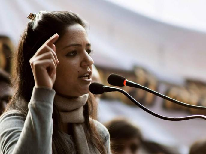 ex jnu student shehla rashid father abdul rashid shora complain her anti national activities | Shehla Rashid के पिता ने बेटी को बताया देशविरोधी गतिविधियों में लिप्त, कहा- मुझे दे रही जान से मारने की धमकी