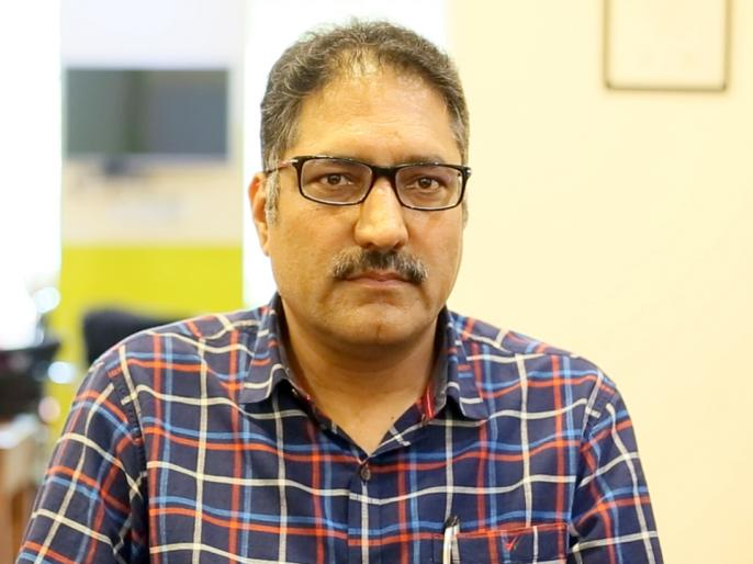 Terrorists attack editor of Rising Kashmir newspaper Shujaat Bukhari, hospitalised | 'राइजिंग कश्मीर' के संपादक शुजात बुखारी की गोली मारकर हत्या, नेताओं ने जताया शोक