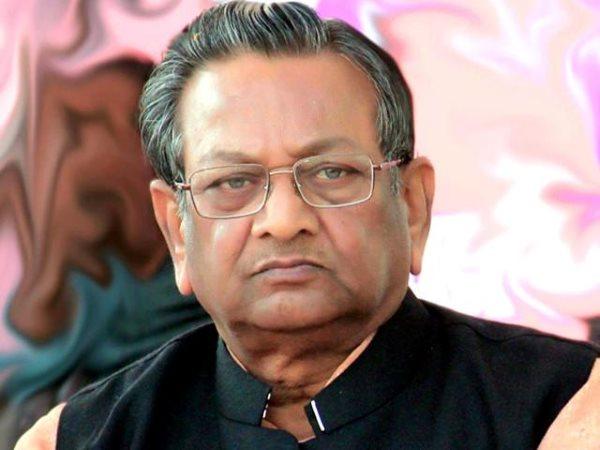 BJP MP Shyama Charan Gupta joins Samajwadi Party He will be contesting lok sabha Banda constituency | बीजेपी को बड़ा झटका, प्रयागराज सांसद श्यामा चरण गुप्ता समाजवादी पार्टी में शामिल, इस सीट से लड़ेंगे चुनाव