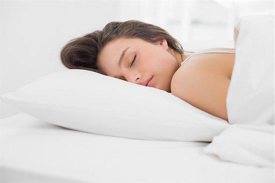 Medical Problems Linked to Oversleeping | ज्यादा सोने से दिमाग को पहुंच सकता है नुकसान, फर्टिलिटी पर भी पड़ता है बुरा असर