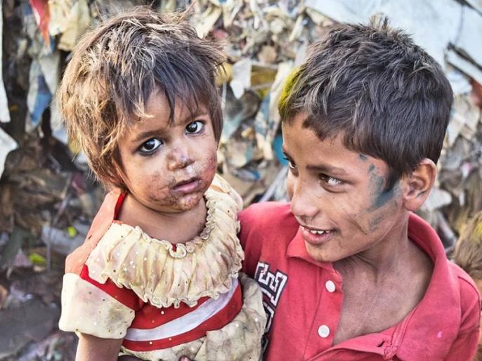 Ved Pratap Vaidik blog: Why not ban inequality?ऑक्सफैम की ताजा रपट ने मुङो चौंका दिया है. उसके मुताबिक भारत के एक प्रतिशत अमीरों के पास देश के 70 प्रतिशत लोगों से ज्यादा पैसा है. ज्यादा याने क्या? इन एक प्रतिशत लोगों के पास 70 प्रतिशत लोगों के पास जितना प   वेदप्रताप वैदिक का ब्लॉग: विषमता पर प्रतिबंध क्यों नहीं?